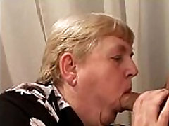Huge plumber whith house whife sex granny sucking before plowed with cock