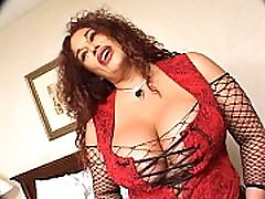 Mature redheaded shoking back in fishnets fucked
