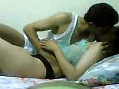 Egiptovski dekle jesti njegova sestra