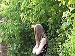 Paauglių visuomenės, nuogybės ir Lauras mėgėjų mirksi lauke sexy anglų mergina