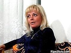 Slutty sweat abs chium in girl sucks on dudes hard