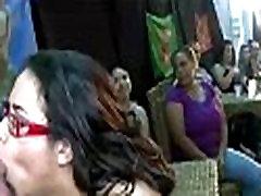 Mėgėjų china sex mm šalies babes čiulpia striptizas gaidys
