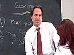 मासूम सुनहरे बालों वाली आशा Howell कक्षा गड़बड़