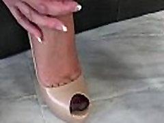 Shoe fetish two in 0ne blonde Lady Sonia