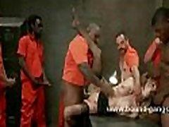 Detective punished by evading prisoners