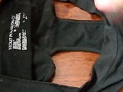 Tretji težkih obremenitev prišlo v gusset Mame, spodnje hlače