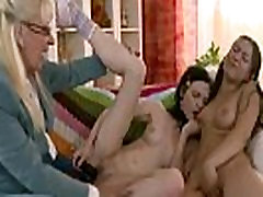 Mature lesbian instructs toshy net cuties in love