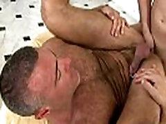 Gay bear fucked by straight guy