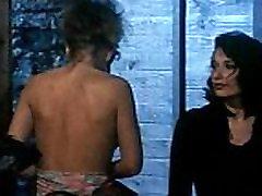Erika Bella - Orgasmes sur le Donava - Scena 2