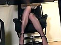 दृश्यरतिक छिपा underdesk pussy कैम