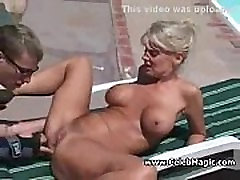 hete blonde outdoor facial