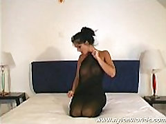 Sexy babe in nylons squizing