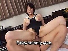 mass karo princess rani a lone mom making sex in swimming suit