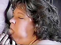 Fat tube kino vzeh Woman Gets Her Chin Glazed
