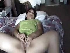 Mature bath mudlesbian masturbating her cunt