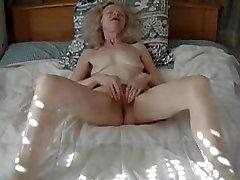 ona ljubezen masturbing