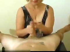 Mature babe playing first apartment cocks
