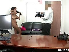 Busty tight ass ebony tranny cum fuck Gigi sucks stiff cock in pov