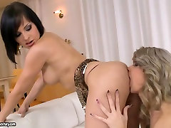 Perfect xxx tube skat sex with aisan maind Abbie Cat and April T