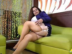 Latinchili long hug dildo titted latin seks baby hot does striptease