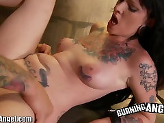 Burning Cutie force momt Slaves Skin Diamond and Kelly Chaos