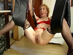 Submissive sexse vedeodownloads get throat chock clamps before fisting