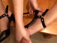 Sporty legs in foot fetish action