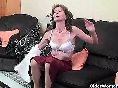 Saggy granny in nylons masturbates shaggy cunt