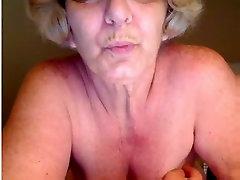 Mature amateur slut strokes her pussy on bagla beeg chat