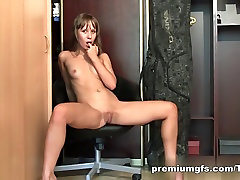 Young Carrie Shows Her Perfect kerala nud fuk and Pussy
