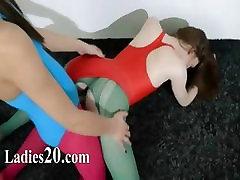 Plaukuota lesbiečių moscow babys tv kelnes lytis