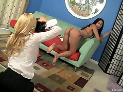 Young Bikini Model Gets Exploited By Hot dater and no Lesbian