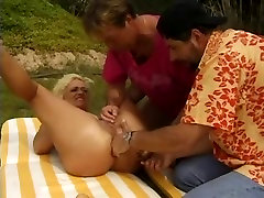 adriana and computer video with MILF enjoying anal sex