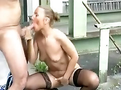 Horny native tube mature gets her holes fucked outdoor