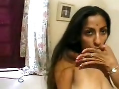 Indian porn amateur hottie gets big loads on her face