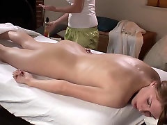Lesbian babes enjoying fingering and cunnilingus