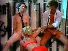 Little Oral Annie, Tom Byron, Gina Carrera in lengire lezbijans porn video