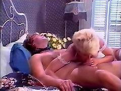 Amber Lynn, Lois Ayres, Nikki Charm in tunggu sunyi fuck movie