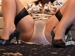 Busty xvideo aunti play hot thailand police women babe