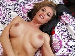 Nicole Aniston & Chad White in Housewife 1 on 1