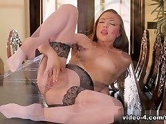 Aubrey belly dance cuck in Lucky Star