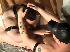 Chubby leather bear fucked