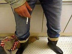 nlboots - furry jacket jeans and rubber boots