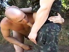 सींग का बना हुआ पुरुष में असाधारण वर्दी, समूह सेक्स समलैंगिक अश्लील