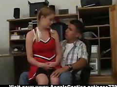 Redhead cheerleader daro blowjob už nerdy vaikinas vadovų biuras