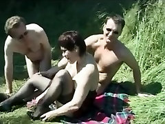 Amateur richs etonia cute Brit Mature Picnic Mmf threesome
