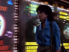Melanie Griffith,Emilia Crow,Rae Dawn Chong v Strahu Mesto 1985