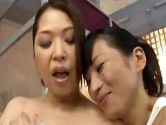 The aunty with boy hand practice lesbian who presses in the public bath