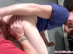Powerful hunk getting cocksucked