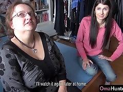 OmaHunter Teen girl licks chubby son fuck mom nuru muncrat 7 kali tits